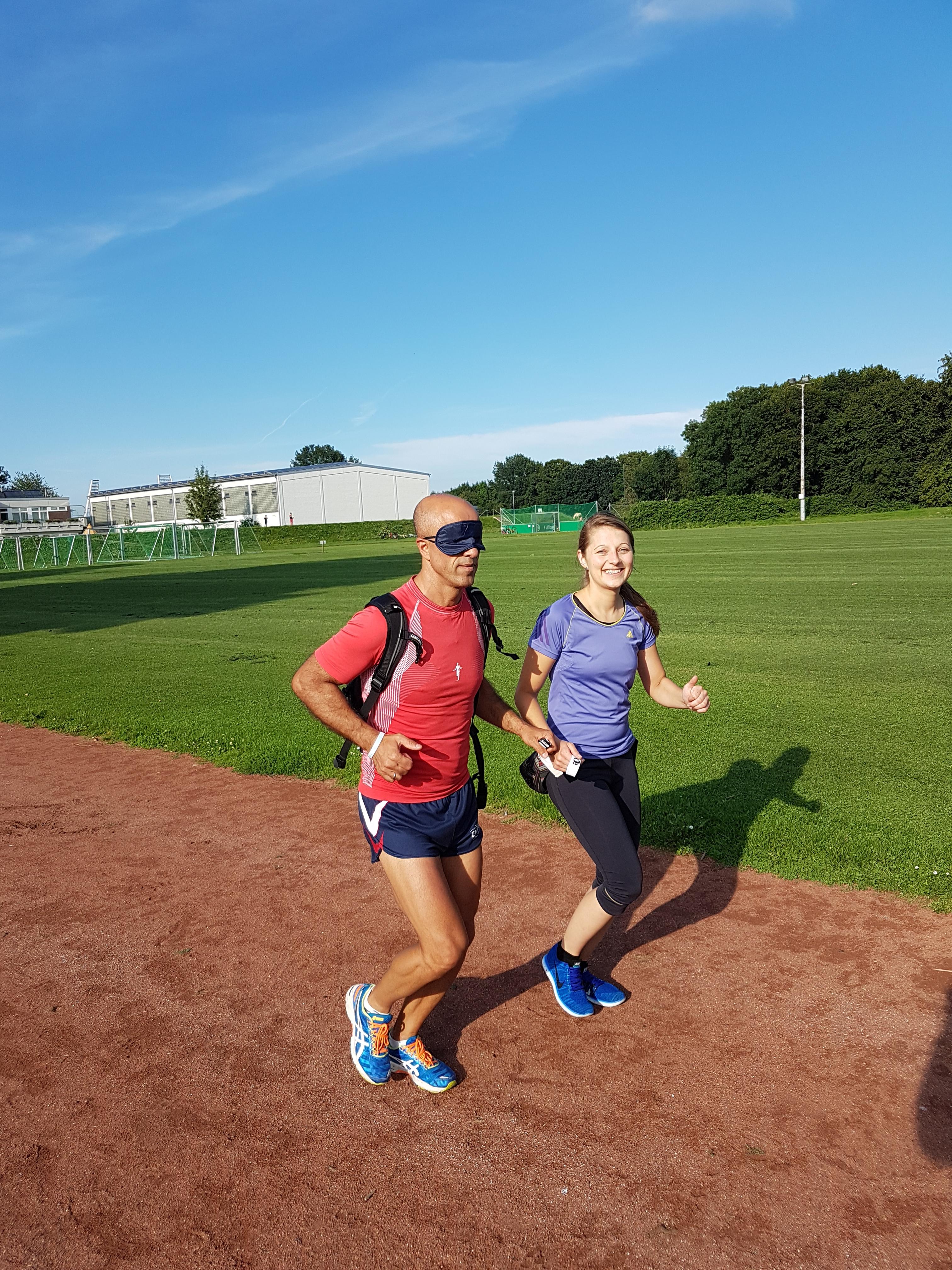 Das Foto zeigt Emin da Silva und Sandra Sarafinski beim Training